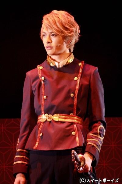 舞踏会シーンでの王子様感はハンパなさ200%!