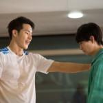 (写真左)コーチ役として、水泳メダリストの瀬戸大也さんが演技に初挑戦!