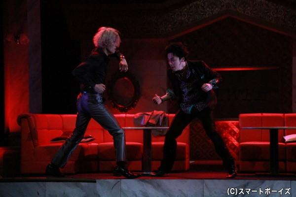 激しいアクションも見どころの一つ、中でも林さんと鈴木さんのシーンは要必見!