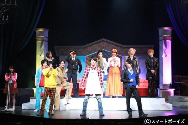 毎公演行われるアフタートークゲストは本編でも登場。ゲネプロでは、ジュウオウイーグル役の中尾暢樹さんが参戦!