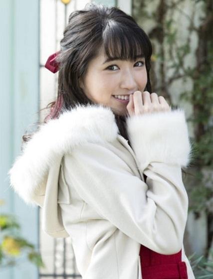 実写化シリーズエンディングテーマ『友達ごっこ』を歌う上野優華さん