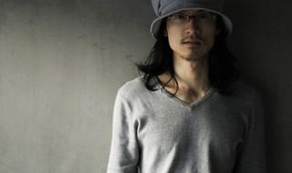 俳優・イラストレーターとして活躍する唐橋充さん