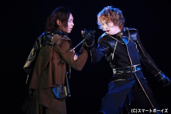 スピード感あふれる戦闘シーン、その迫力は劇場にて!