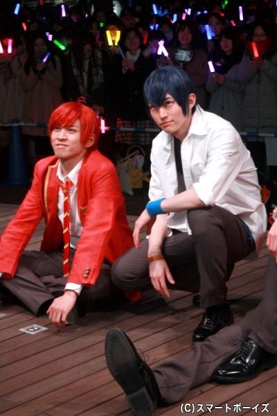 (左から)F6おそ松役・井澤勇貴さんと、F6カラ松役・和田雅成さん
