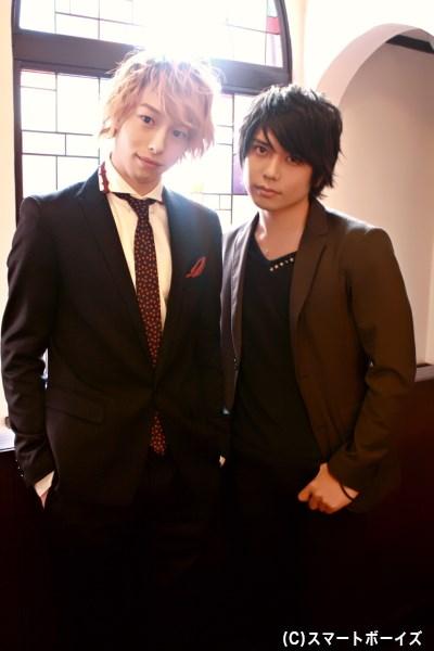 (写真左から)双子役を演じる杉江大志さん&柏木佑介さんを直撃