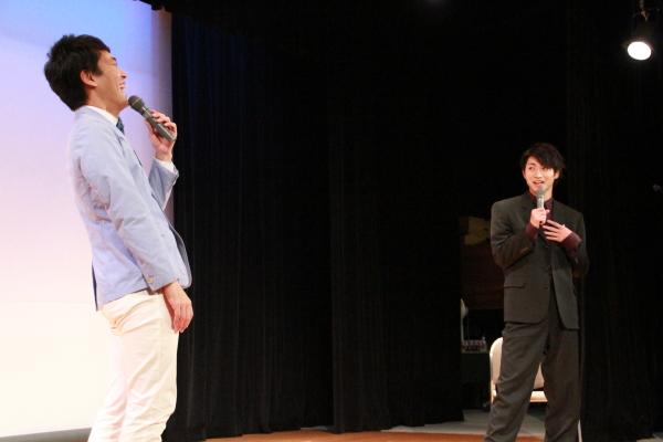 木村さんがボケて、せとさんが突っ込む。2人のコンビネーションは抜群!