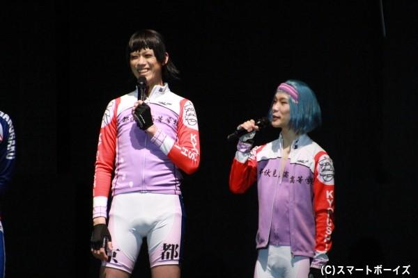 京都伏見高校メンバー 御堂筋翔役の林野健志さん(左)、岸神小鞠役の天羽尚吾さん(右)