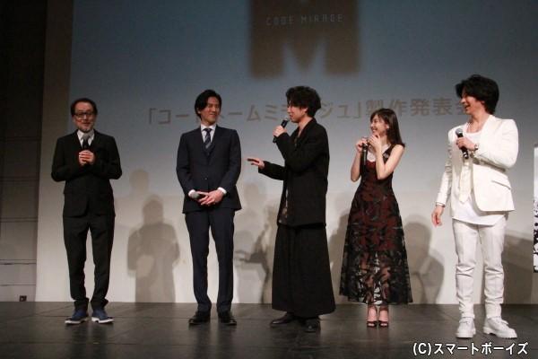 広井さんの「最終話で、ミラージュ死亡のストーリー希望」発言に突っ込みを入れる桐山さん