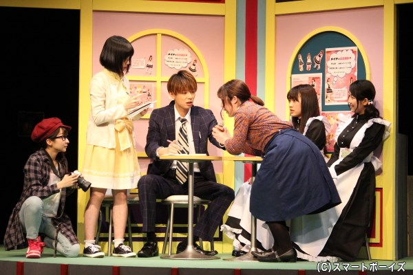 元居酒屋のメイド喫茶でご当地アイドルを取材するも、テンション低めの京介
