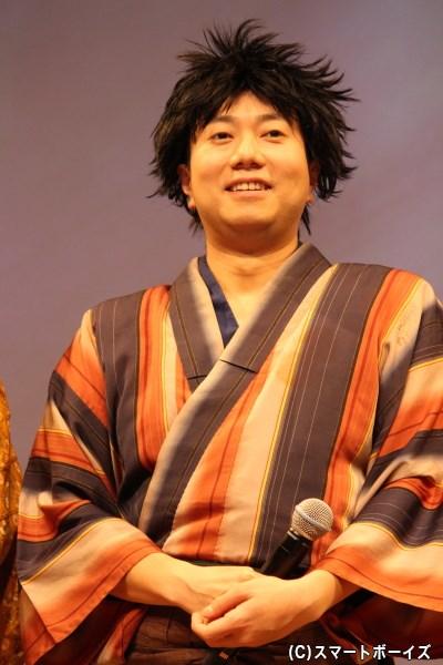 浮橋 役の石井智也さん