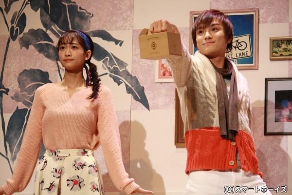 白井那奈さん(写真左)と松村泰一郎さん