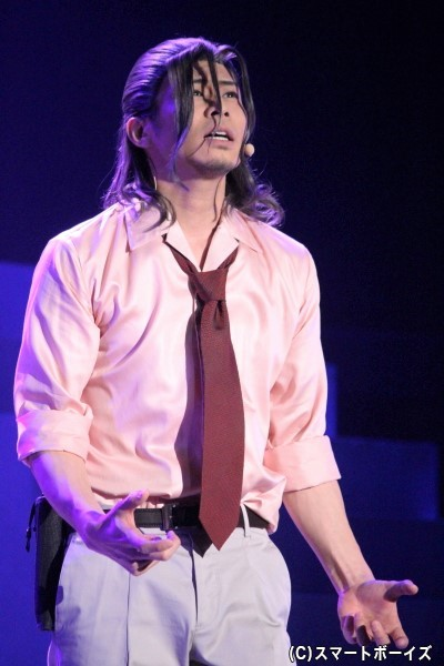 明智小五郎役の鯨井康介さん
