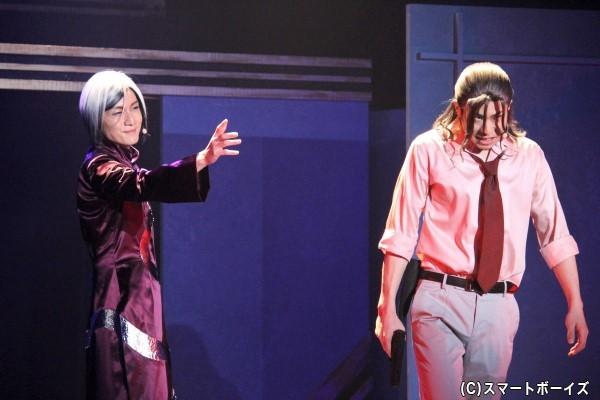 アニメでは描かれなかった怪人二十面相(左/細貝圭)と明智小五郎(右/鯨井康介)の過去の因縁が明らかに!?