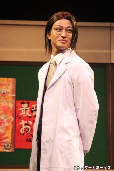 ミステリアスな養護教諭・山南敬助役の鷲尾修斗さん