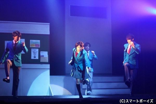 バレンタイン当日、学園唯一の女子生徒・千鶴のチョコを巡って学園は大騒ぎ!