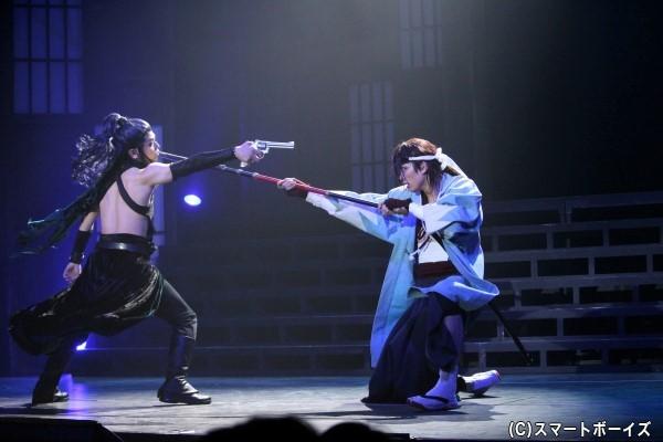 闘いの中で好敵手となっていく原田左之助(写真右)と不知火匡(左)