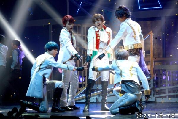 team鳳は、伝統の綾薙祭でステージに立つことができるのか