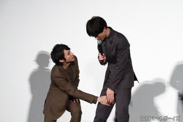 いろんな場所にカイロを貼ったという吉沢さん、内股にもカイロを貼ったとか