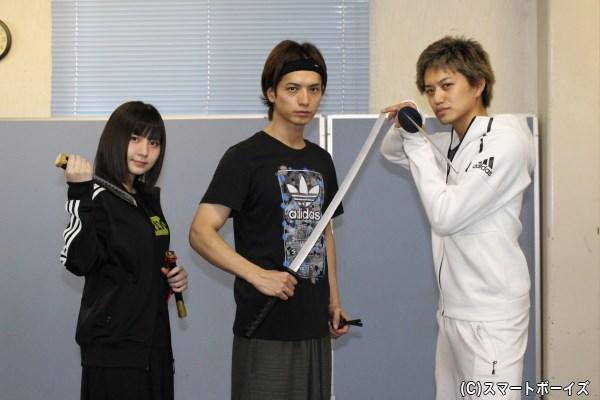 (左より) 岩田華怜さん、中村優一さん、井上正大さん