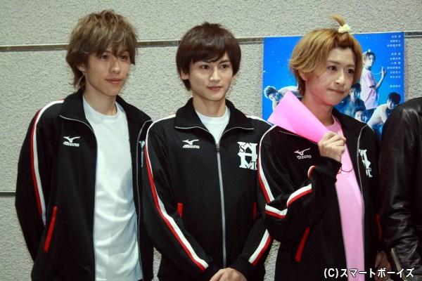 (左から)神永圭佑さん、佐藤永典さん、赤澤燈さん