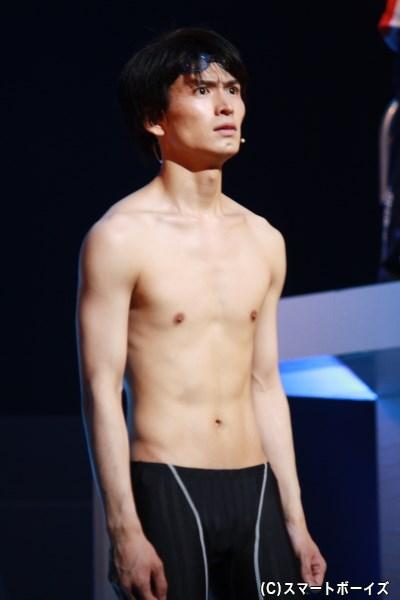 東ヶ丘高校水泳部の部長、主人公・榊秀平役の松田凌さん