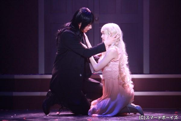 石黒英雄さんが美しき吸血樹(ヴァンパイア)に! 舞台『黒薔薇アリス』いよいよ開幕