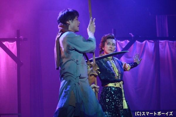 釈迦如来の命で妖を退治する高僧・法海(左・兼崎健太郎さん)らも戦いの中へ