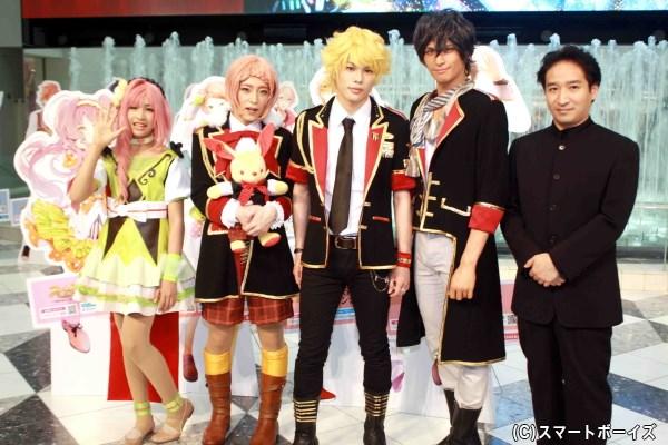 演出の田尾下 哲さん(写真右端)も、キャストたちの役作りに期待を寄せます!