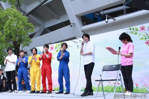 八神さんの横浜マラソン参戦発表に、出演者もエールの拍手!!
