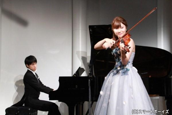 松村さん&小林さんによる生演奏が披露!