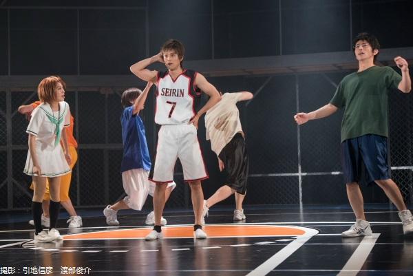 誠凛高校バスケ部に2年生の木吉鉄平(河合龍之介)がケガから復帰