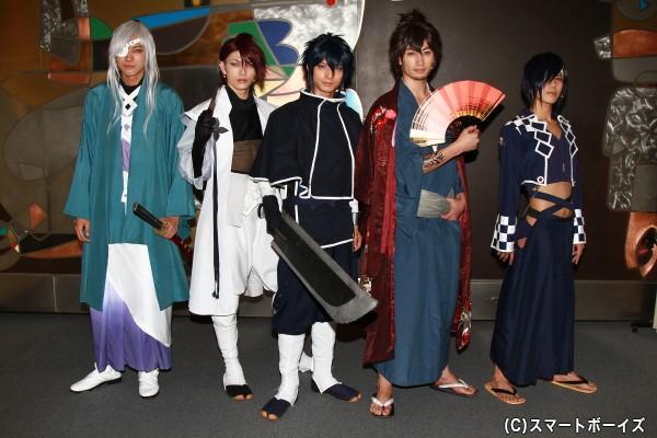 (写真左より) 小坂涼太郎さん、遊馬晃祐さん、中村優一さん、伊万里有さん、宮城紘大さん