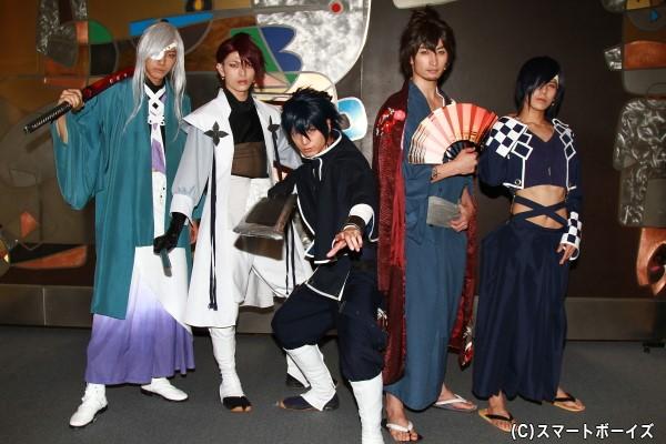 公演は7月2日まで、東京・新宿の全労済ホール/スペース・ゼロにて上演