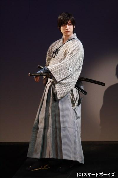 藩のために凶行に及んだものの、その責を背負わされ命を狙われる鳥居文之進(山本一慶さん)