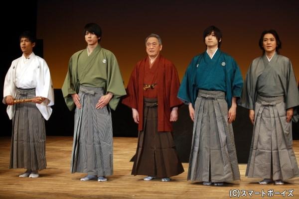 (左から)尺八演奏の松村湧太さん、小松準弥さん、笠原 章さん、山本一慶さん、正木慎也さん