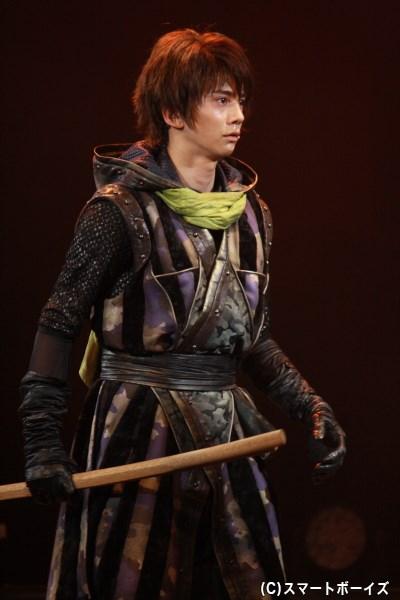 異国の容姿を持つ、謎多き謝意忍具流の忍者・セシル丸(横井翔二郎さん)
