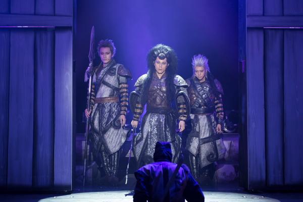 (左から)大羅(白柏寿大さん)、羅刹(根本正勝さん)、真羅(椎名鯛造さん)、