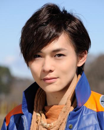 サソリオレンジ/スティンガー役の岸 洋佑さん