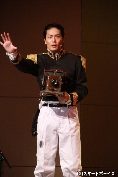 徳川慶喜役の八神蓮さん