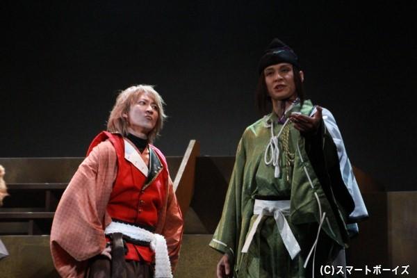 秀吉を説得する天才軍師の半兵衛