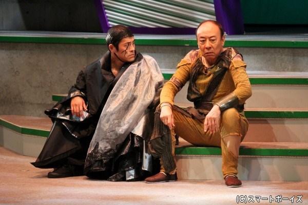 その頃、バカンス先でスネーク将軍(奥田努さん)の訪問を受けとまどう奏は――