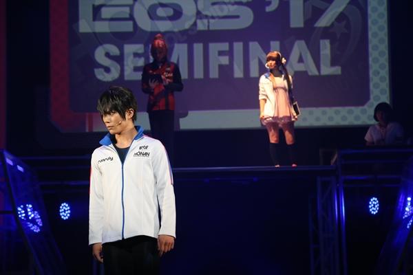 (左)藤原尊役の蒼木陣さん