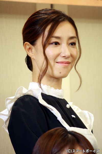 漆原さん役の東風万智子さん