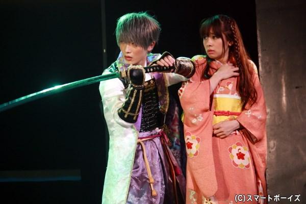 (左から)織田軍・石田三成役の天野眞隆さんと、水崎舞役の早乃香織さん