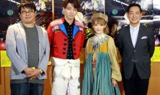 (左から)囲み取材に登場した毛利亘広さん、矢崎広さん、生駒里奈さん(乃木坂46)、毛利衛さん