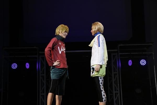 (右)小日向穂積役の熊谷魁人さん (左)千代松万太郎役の松本ひなたさん