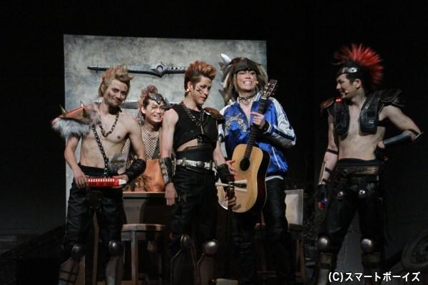 2.5次元舞台等で活躍する俳優たちが「3.5(ザコ)次元」舞台で躍動!