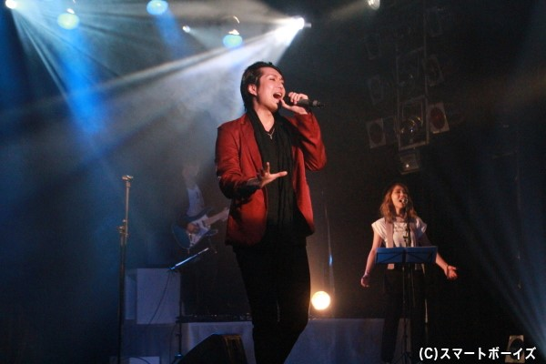 圧倒的な歌唱力を誇る大山さんのライブパフォーマンス