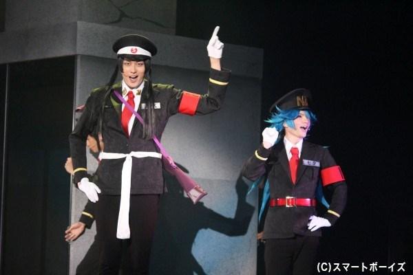 五代大和(稲垣成弥さん/写真左)と七夕星太郎(奥山敬人/右)の看守コンビ☆