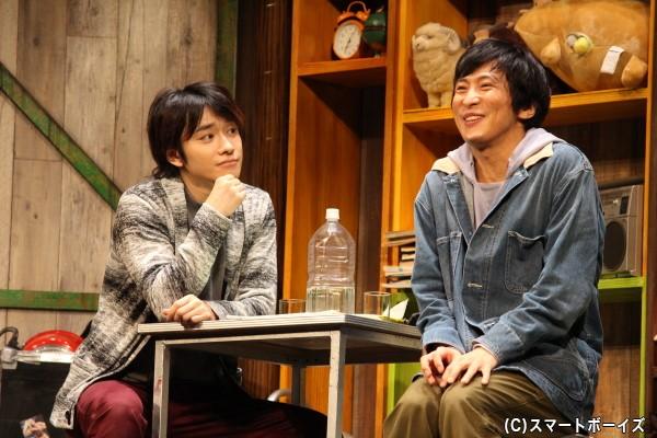 国尾は、平川に有名な賞への応募を提案する